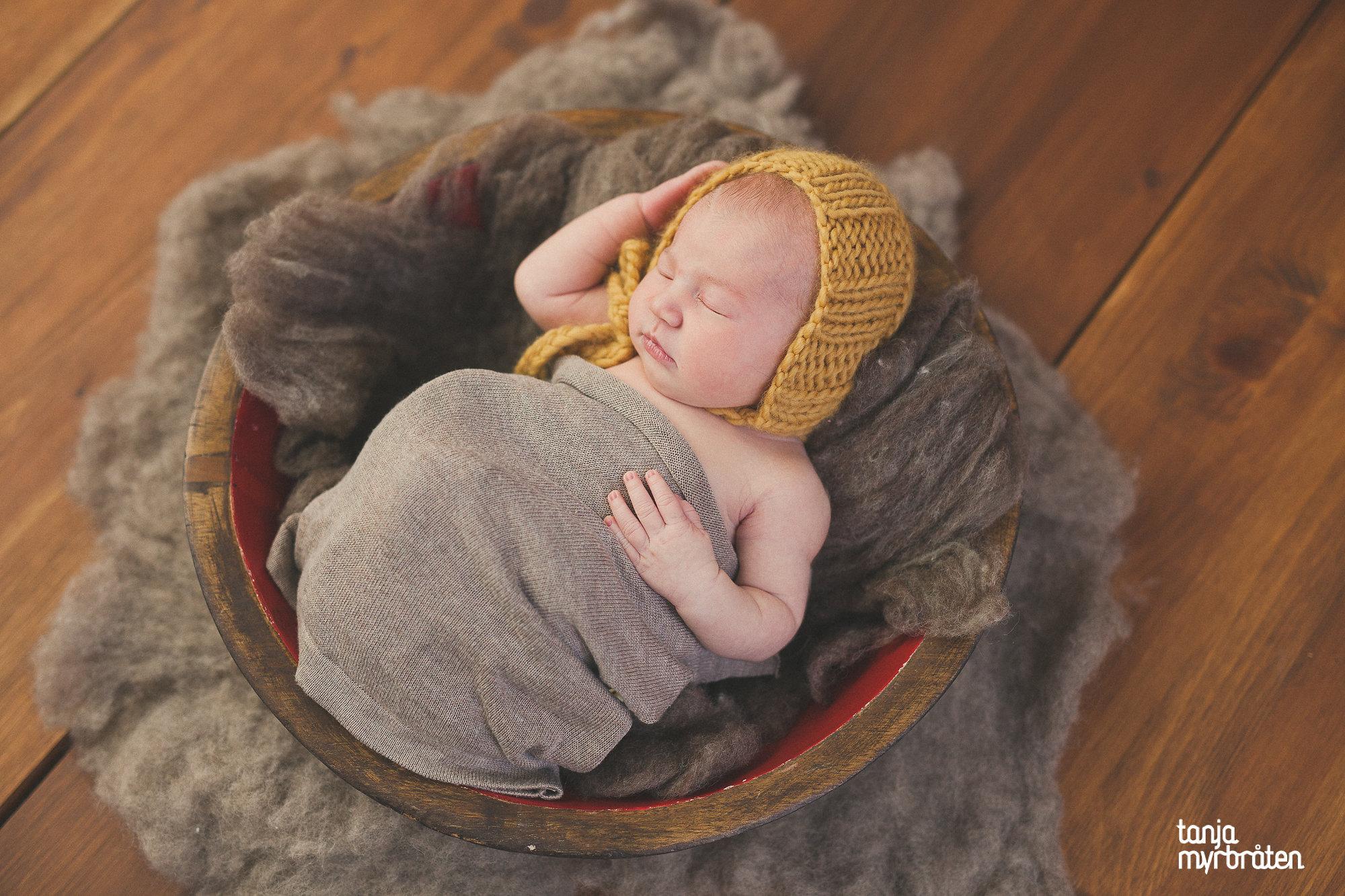 1144fotograftanjamyrbraten-nyfødtfotografering-vestfold-nyfødt-baby